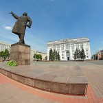 Площадь Советов, памятник Ленину и здание АКО