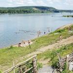 Пляж на реке Томь