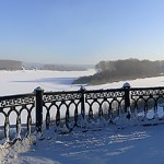 Набережная реки Томь зимой