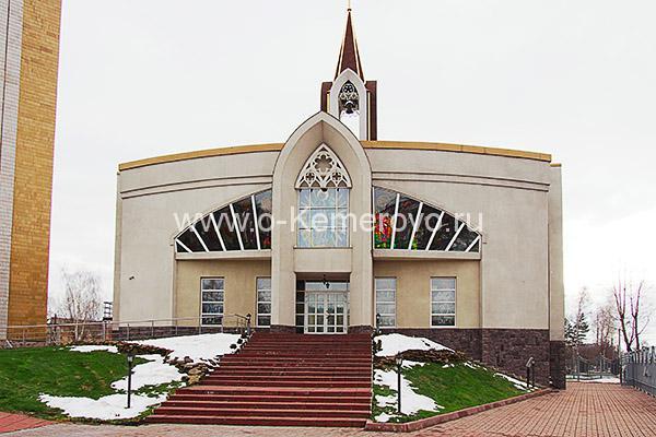 """Католическая церковь """"Храм непорочного Сердца Пресвятой Девы Марии"""""""