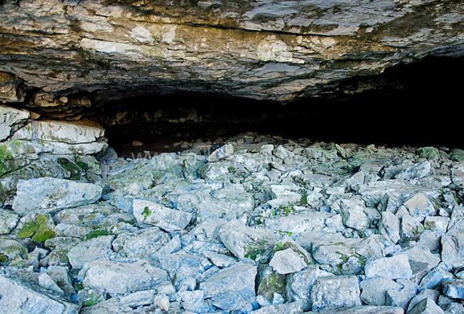Внутри Азасской пещеры