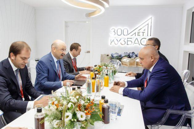 ВЭФ-2019: Банк «Открытие» профинансирует строительство новых детсадов и школ Кузбасса и покупку в лизинг общественного транспорта для Кемерова