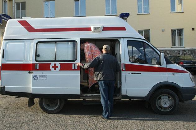 В Кузбасс до конца года поступят новые школьные автобусы и машины скорой помощи