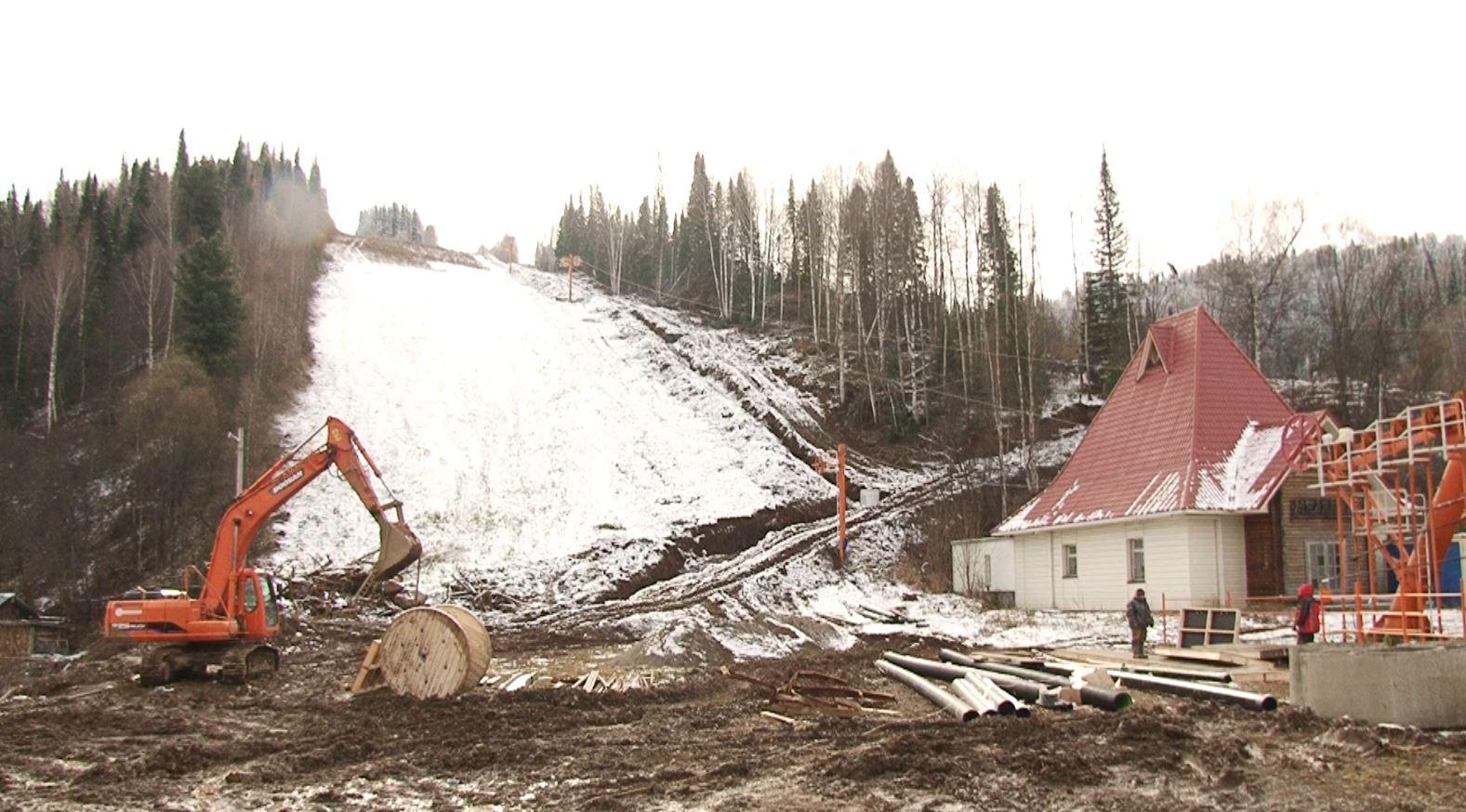 В Кузбассе горнолыжный комплекс на горе Югус готовится открыть сезон