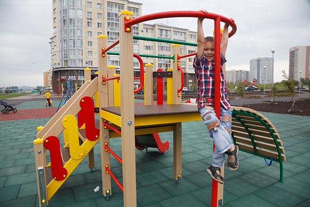 В Кузбассе установят еще 200 детских игровых площадок