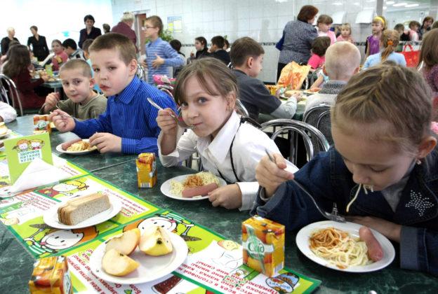В Кузбассе проверили, чем питаются школьники