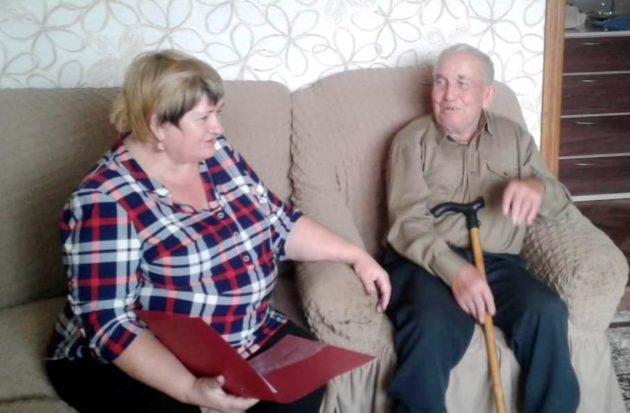 Еще одна кузбасская семья выразила желание «усыновить» пенсионера