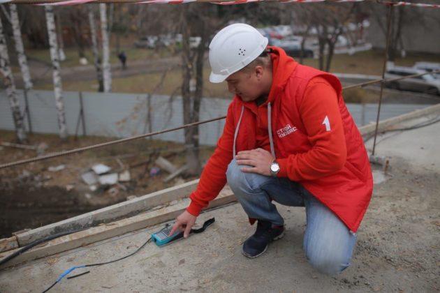 Строители Кузбасса проверяют качество новых домов с помощью умных приборов