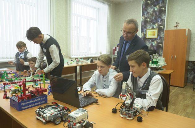 В Междуреченске открылась первая в Кузбассе лаборатория «Hit-Инженеры будущего»