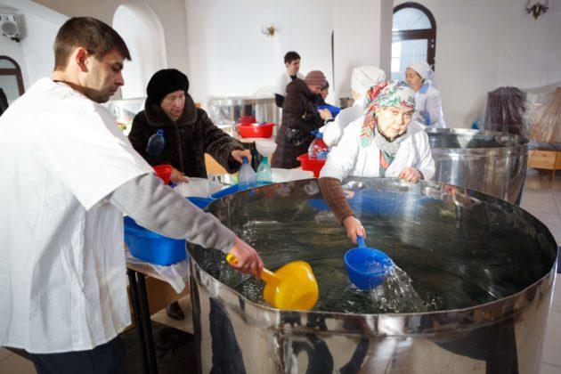 Крещенскую воду кузбассовцы смогут получить с 18 по 26 января