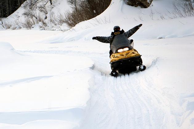Более 150 снегоходчиков оштрафовали в Кузбассе