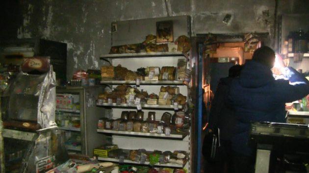 В Калтане приятели подожгли продуктовый магазин из мести