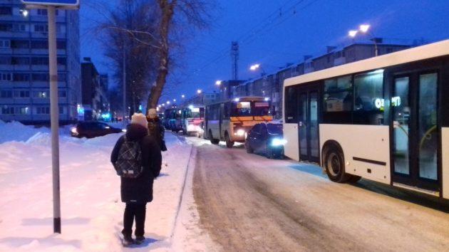 Завтра транспорт в Кемерове будет работать по воскресному расписанию