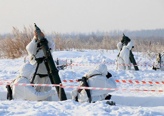 В Кузбассе военные отработали контрбатарейную стрельбу