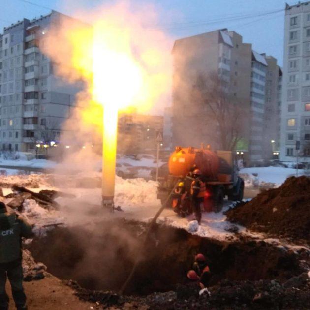 Ночной прорыв теплопровода в Кемерове затронул девять девятиэтажек