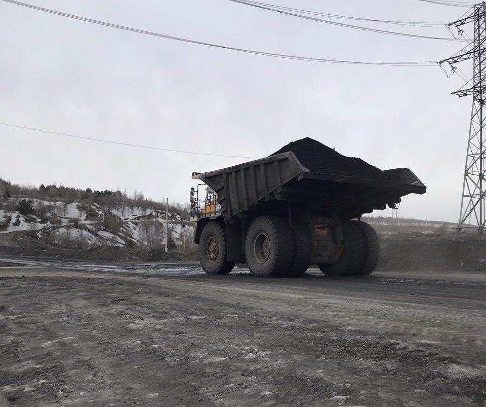 В Кузбассе у разреза из-за долгов арестовали 13 000 тонн угля
