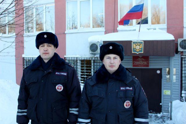 Сотрудник дорожной полиции Прокопьевского района спас человеку жизнь