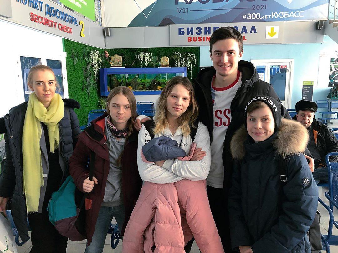 Губернатор Магаданской области поблагодарил кузбассовцев за поддержку попавшей в ДТП детской команды