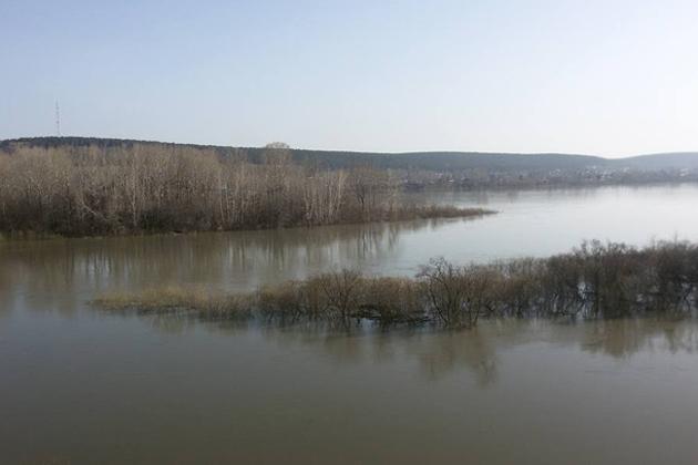 13 домов в Кемерове оказались под угрозой затопления