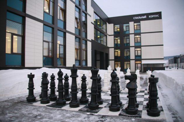 Воспитанницы Пансиона Минобороны России победили на Всеармейском чемпионате по шахматам в Кемерове