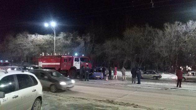 В Кемерове такси врезалось в пожарную машину