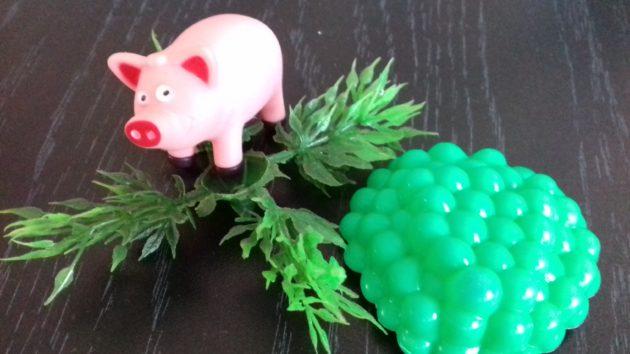 Бродячие свиньи докучают жителям кузбасского села