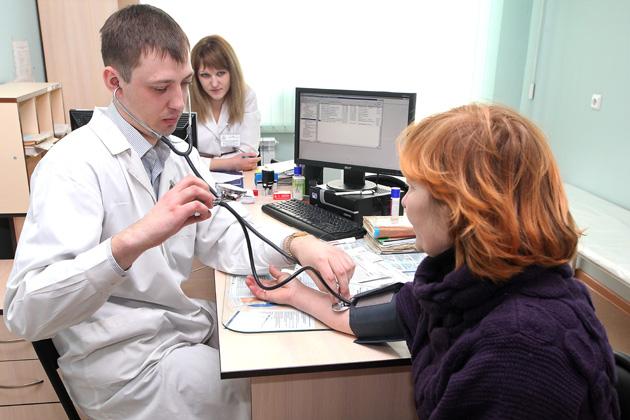 Минздрав Кузбасса: в одну поликлинику Кемерова за день обращаются до 100 пациентов с пневмониями