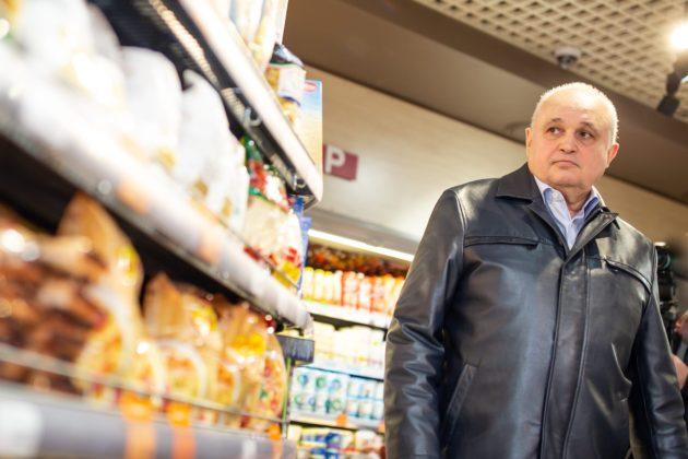Губернатор Кузбасса проверил магазины на наличие пустых полок