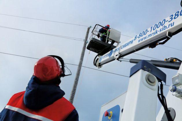 В Кузбассе коммунальщики и энергетики успешно справились с последствиями урагана