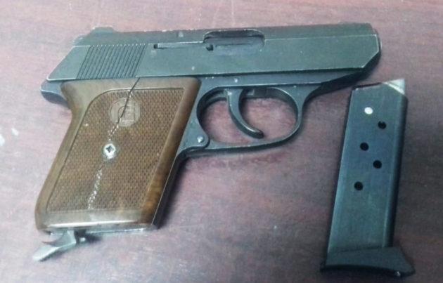 Пенсионерке из Прокопьевска выплатят деньги за немецкий газовый пистолет
