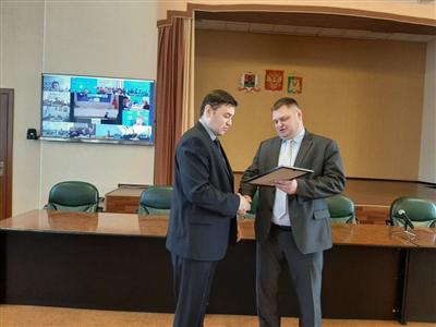 В Анжеро-Судженске наградили участников ликвидации ДТП с участием рейсового автобуса
