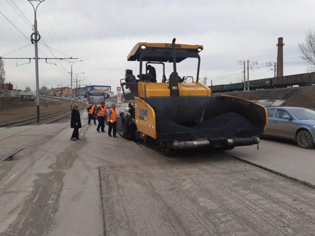 В Прокопьевске приступили к ямочному ремонту, а в Кемерове преображается дорога по ул. Дзержинского