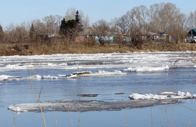 Нетипичный ледоход наблюдается на юге и севере Кузбасса