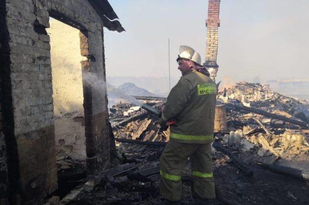 В деревне Ижморского района сгорели 27 домов и ФАП