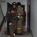 В Кемерове огнеборцы спасли на пожаре женщину