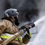 В Кемерово пожарные спасли пять человек