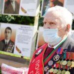 Губернатор поздравил фронтовика Анатолия Терехова с праздником