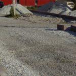 В пгт Промышленная благоустраивают дворы и общественные места