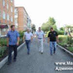 В Мариинском районе ремонтируют дворы по нацпроекту