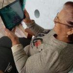 Пенсионеры из Тяжинского округа путешествуют с помощью планшетов