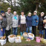 Кузбасские грибники поделились трофеями тихой охоты