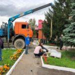 В кузбасском селе устанавливают мраморные стелы