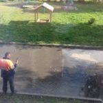 Во дворе кемеровской хрущёвки случился потоп