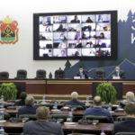 Открытый диалог на площадке депутатских слушаний. Контроль сферы ЖКХ