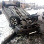 В Ленинске-Кузнецком пьяный водитель повредил три автомобиля