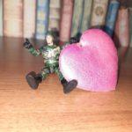 В Прокопьевске местную жительницу обманул солдат любви