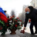 Сергей Цивилев возложил цветы к мемориалу воинов-кузбассовцев