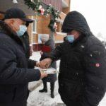 В Крапивинском округе Сергей Цивилев вручил ключи от квартир в новостройке