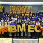 Волонтеры Кузбасса провели флешмоб «Мы вместе»