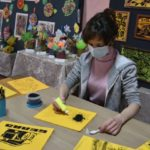 Кузбасская художница пишет картины в необычном «угольном» стиле